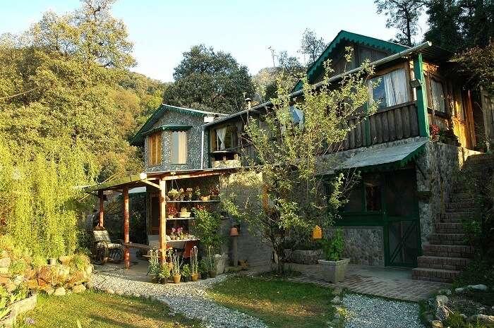 A quaint romantic house at Pangot in Uttarakhand