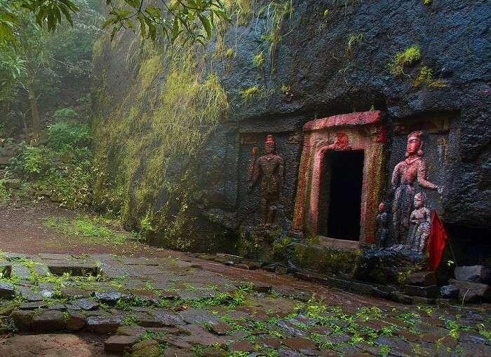 Entrance of the Ravana Cave in Ella
