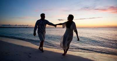 Couples in love at romantic getaways near Mumbai