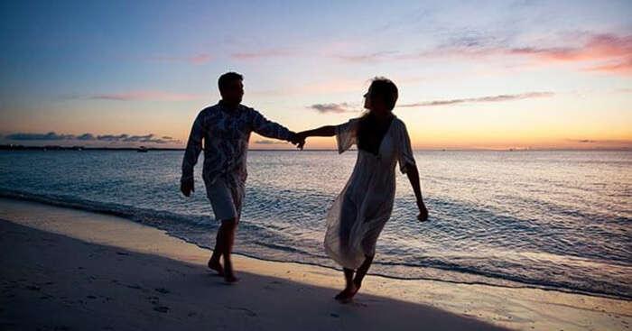 Couples in love at romantic getaways near Mumbai