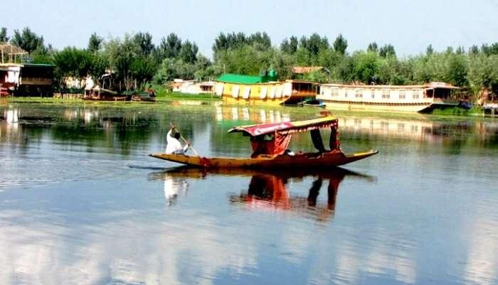 Shikara ride- Nagin lake in Srinagar