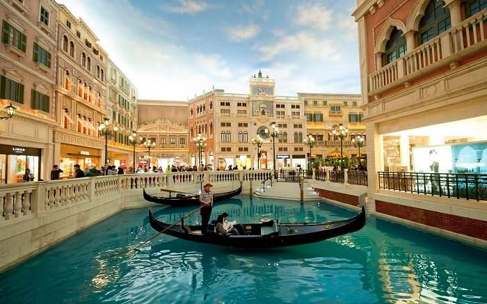 A romantic gondola ride in the/venetian Macao can set the mood right