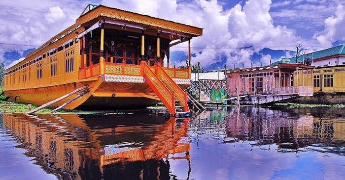 Remarkable hotels in Srinagar near Dal Lake