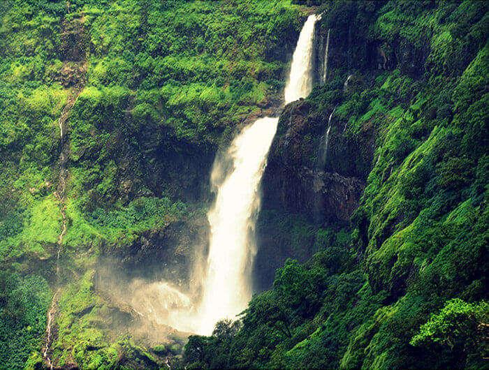 The cascading waters at Lingamala Falls and the surrounding greenery at Mahabaleshwar