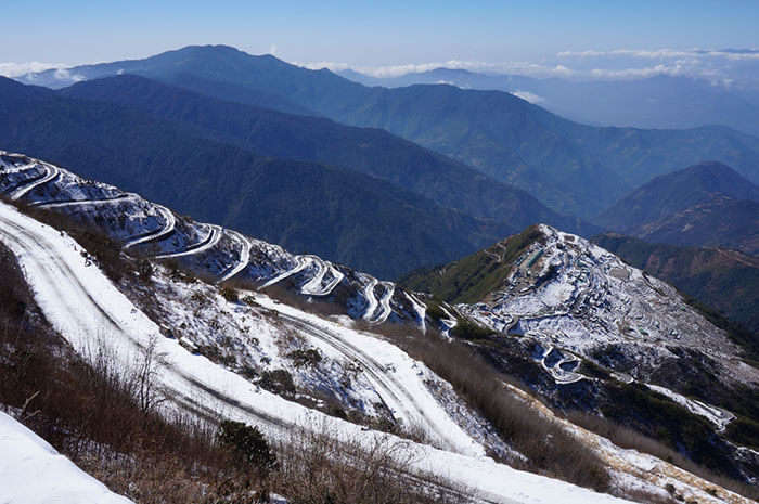 The 96 turns from Gangtok to Zuluk