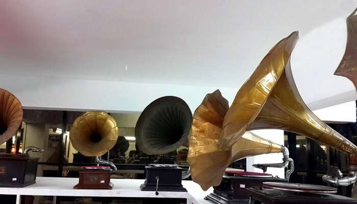 A collection of gramophones at Discs & Machines - Sunny's Gramophone Museum