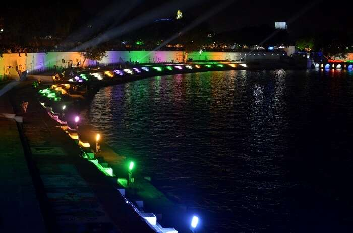 The musical fountain at Nagina Wadi is one of the best tourist places in Ahmedabad