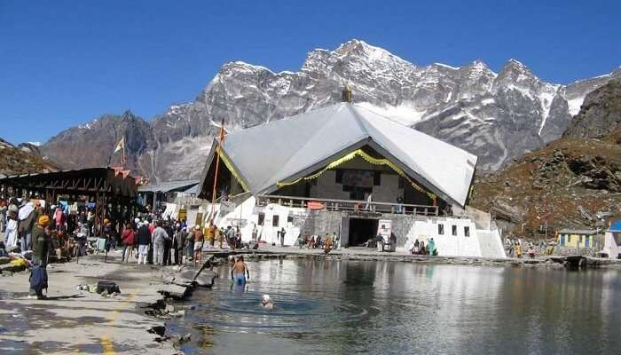 People gathering at the Hemkunt Sahib to take a dip in the cold waters