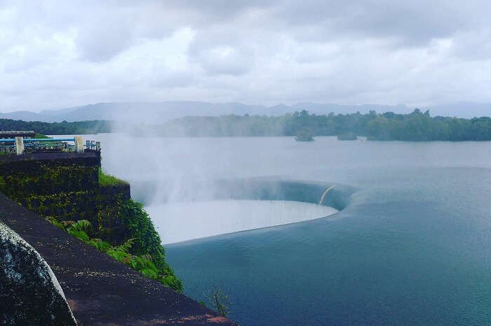 A snap of the beautiful Salaulim Dam reservoir in the state of Goa
