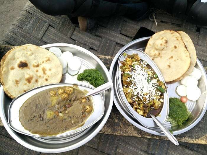 Sundar and his friends enjoy the food of Dhabas