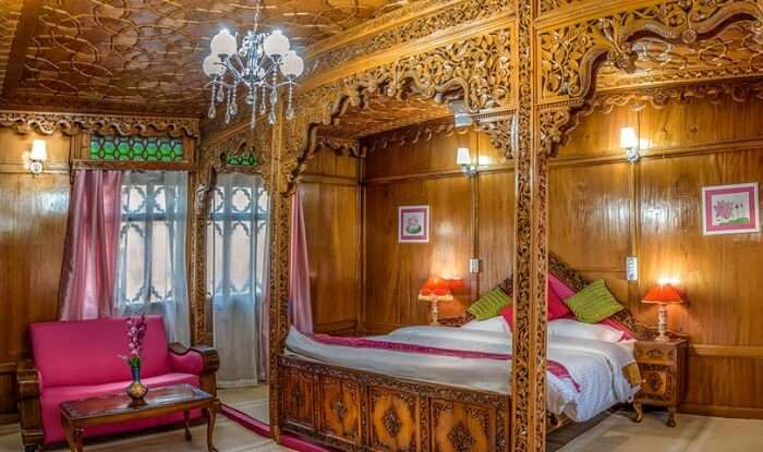 Houseboats in Srinagar are said to be elaborately designed with royal interiors and decor
