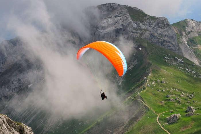 Do paragliding in Mashobra