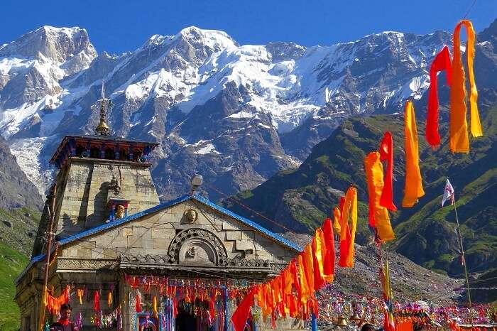 The beautiful Kedarntath Temple in the beautiful backdrop of the snow-clad Himalayas