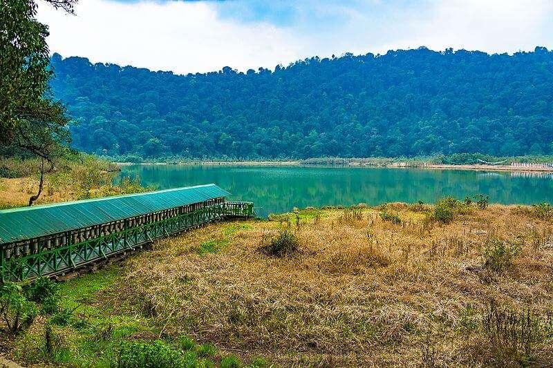 Khecheopalri_Lake,_Sikkim