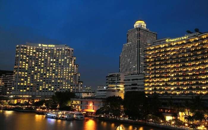 Shangri La hotel is one of the leading luxury hotels in Bangkok
