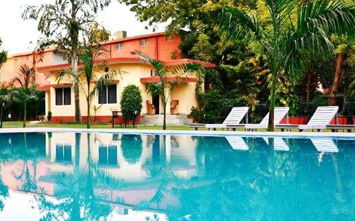 Swimming pool at Ankur Resort in Sawai Madhopur