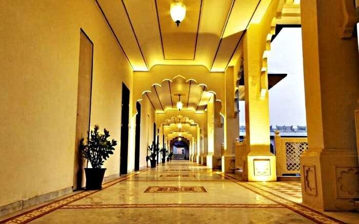 Main corridor of Anuraga Palace in Ranthambore