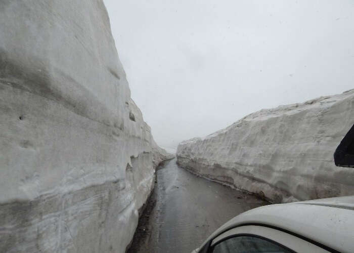 Road trip in snow in Himalayas