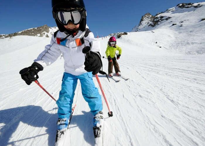 AnNovice skiing in Manali