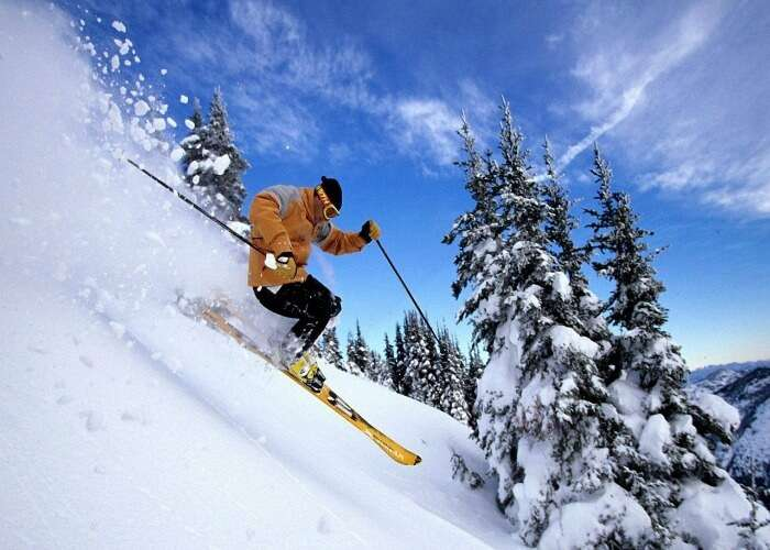 Go for skiing in Manali