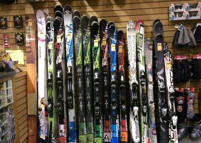 Ski boards in Manali