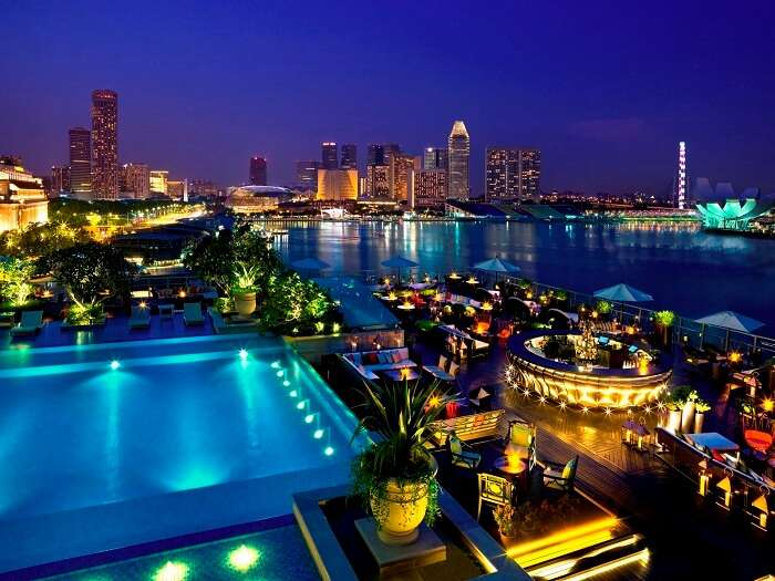 Pool on the roof at Fullerton Bay Hotel Singapore