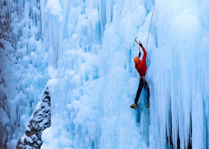 Go Ice Climbing in Manali and climb its treacherous ice formations