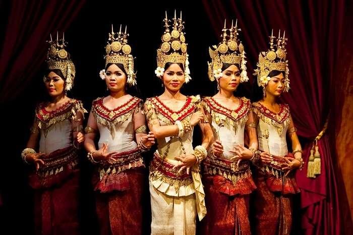 Beautiful dancers just before performing the classical Apsara Dance in Phnom Penh