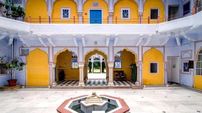 The courtyard of Hotel Diggi Palace