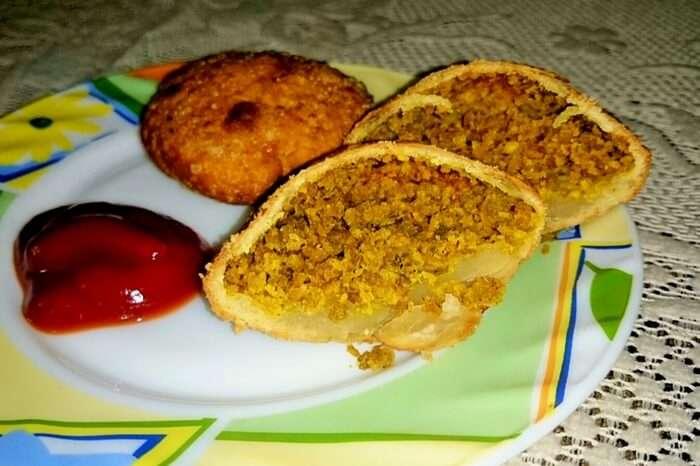 A plate of moong dal kachori at Sardarji's Chaat