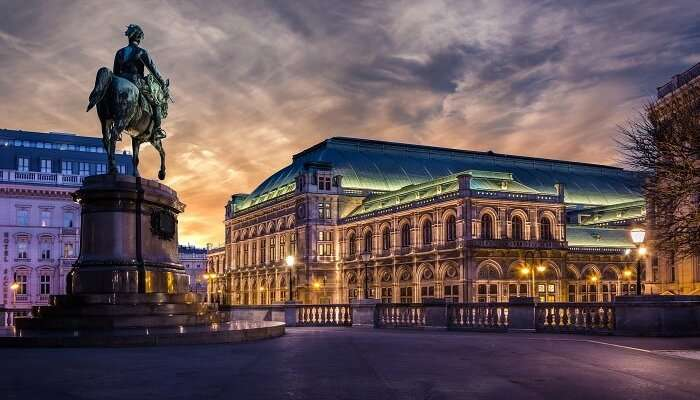 A snap of the iconic Vienna state opera at dawn in Austria