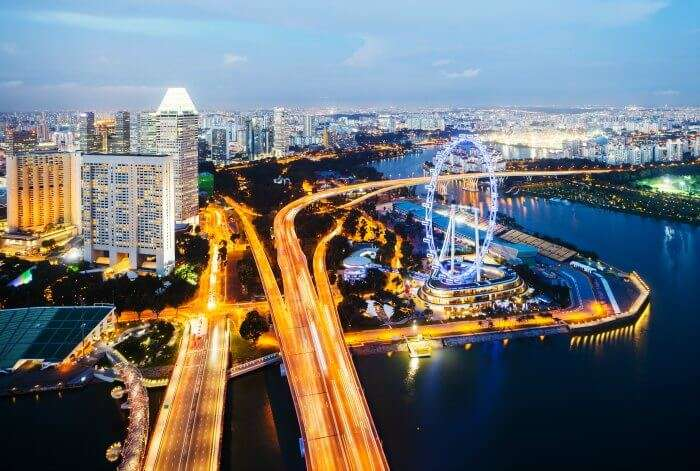 The busy roads of Singapore at night