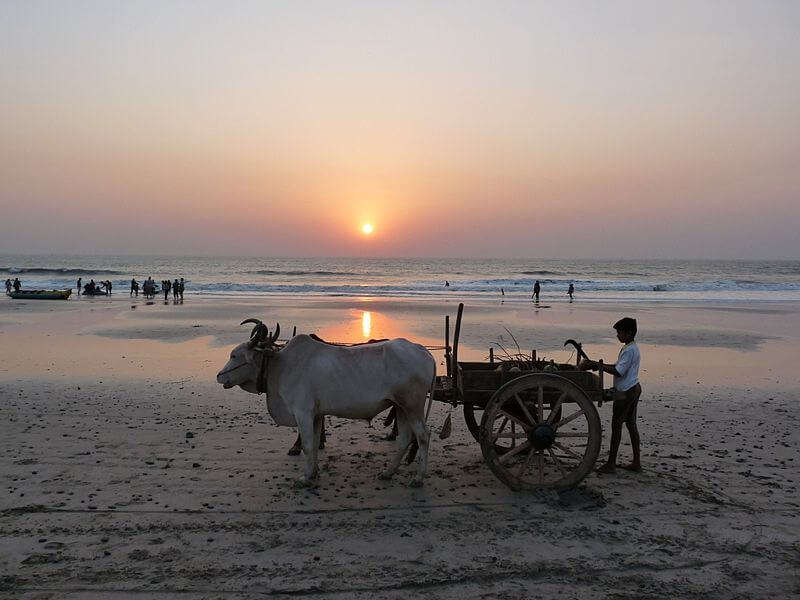 800px-Kashid_Beach_sunset