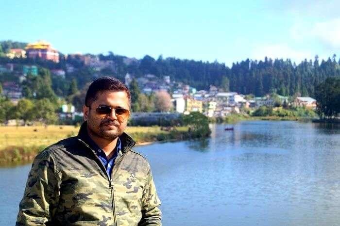 Scenic view of Lake Mirik