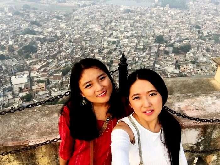 Regina and her friend in Nahargarh Fort
