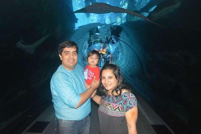 Family enjoying at Dubai aquarium