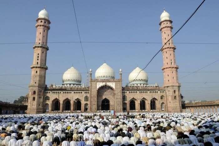 People offering namaz in front of Taj-ul-Masjid in Bhopal