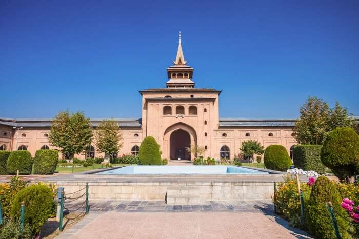 Jamia Masjid in Srinagar exhibiting imposing structure with landscaped garden