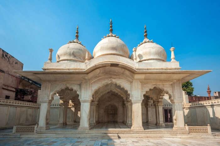 Nagina Masjid in the Agra Fort region showcasing beautiful white marble