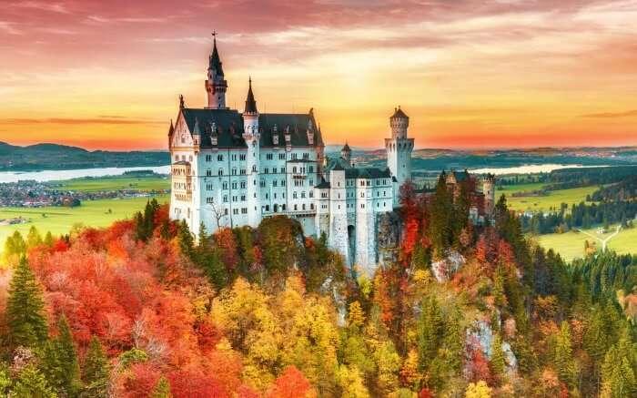 Nueschwanstein Castle view during Autumn