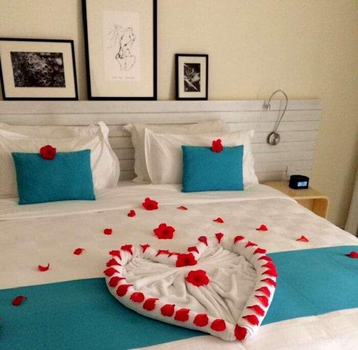 Room for honeymooners in Holiday Inn Maldives
