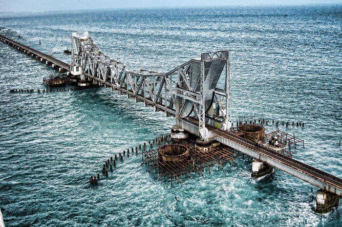 the iconic bridge in Rameshwaram