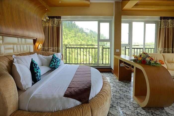 Parakkat Resort Munnar