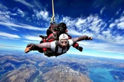 Skydiver taking up Tandem Skydiving in Queensland