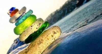 Glass rocks by the glass rock beach in Russia