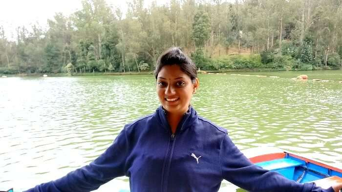 Female traveler in Ooty