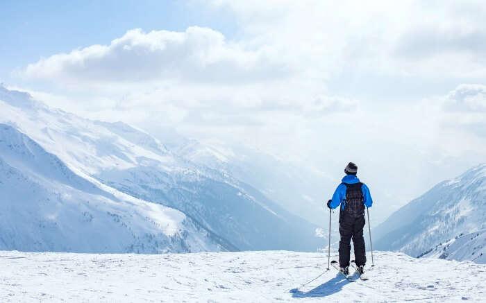 Skiing in Himachal