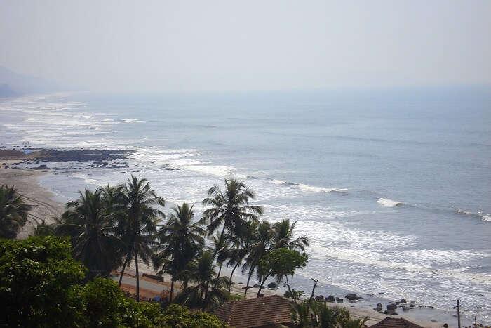 Beach_view_of_Harnai
