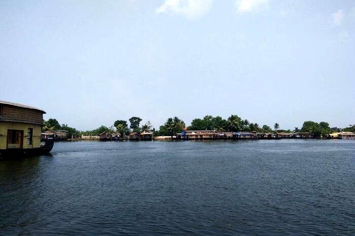 backwater cruising in Alleppey, Kerala