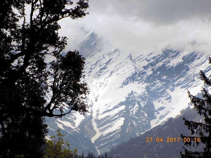 snow clad peaks in himachal